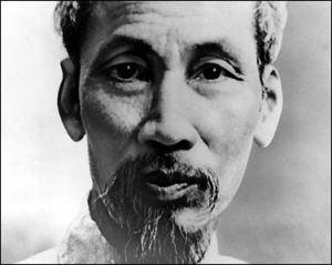 """""""Tầm nhìn Hồ Chí Minh là tầm nhìn thời đại, nhưng trong ánh mắt Bác vẫn chan chứa yêu thương, thắm đượm tình người..."""""""